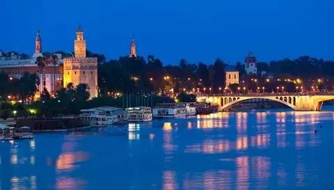 Quote - #Sevilla, capital de una tierra que siempre ha convertido en conquistados a todos sus conquistadores - Jesús Quintero..jpg